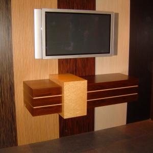 TV-Unit.JPG-nggid0251-ngg0dyn-300x300x100-00f0w010c011r110f110r010t010
